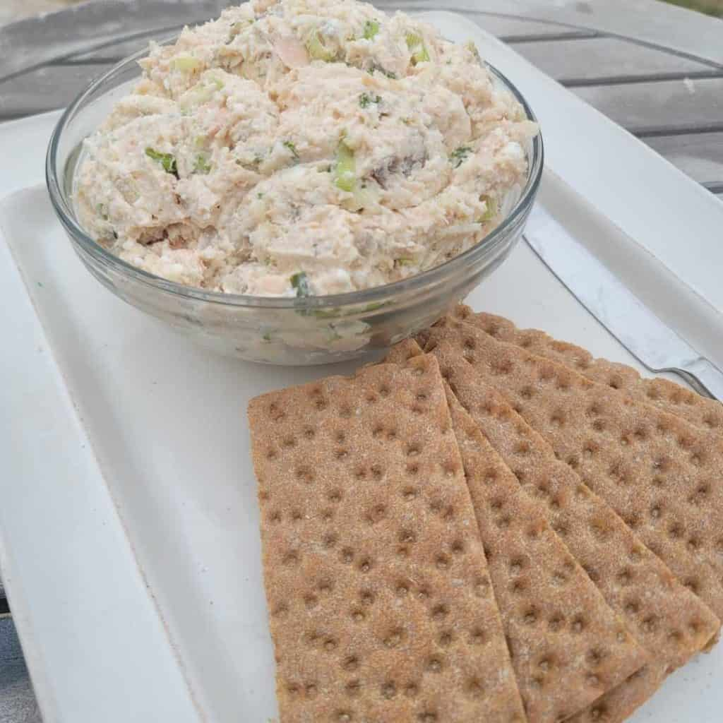 cottage cheese dip with crackers