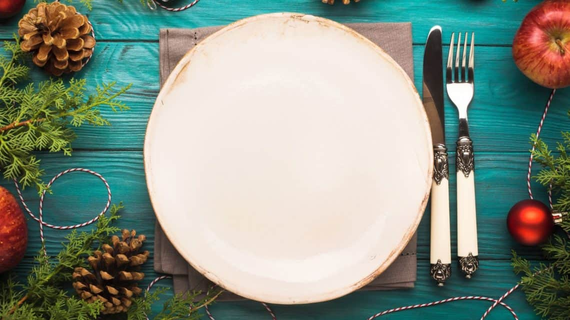 empty plate with Christmas decorations