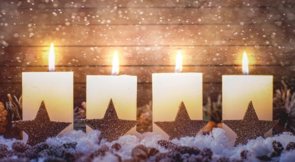 Candles burning for advent